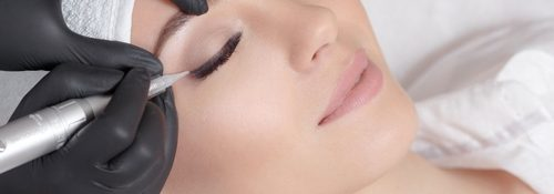 Blooming Beauty salon in Orlando FL applying permanent eyeliner tattoo with microblading